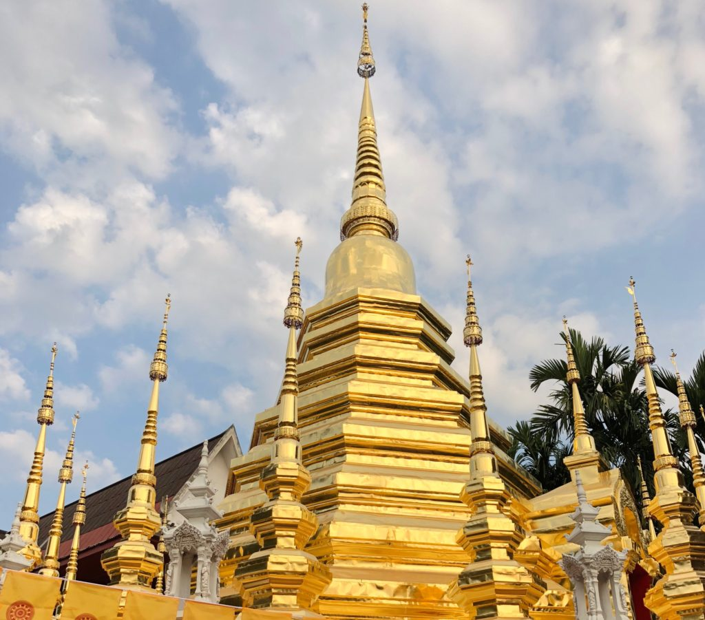 金ピカ寺院