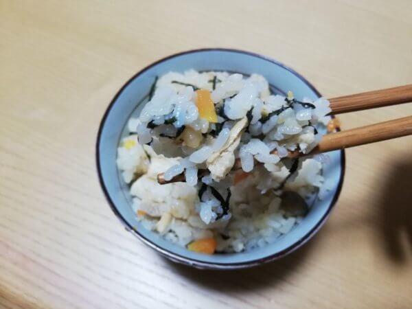 鍋キューブ炊き込みご飯